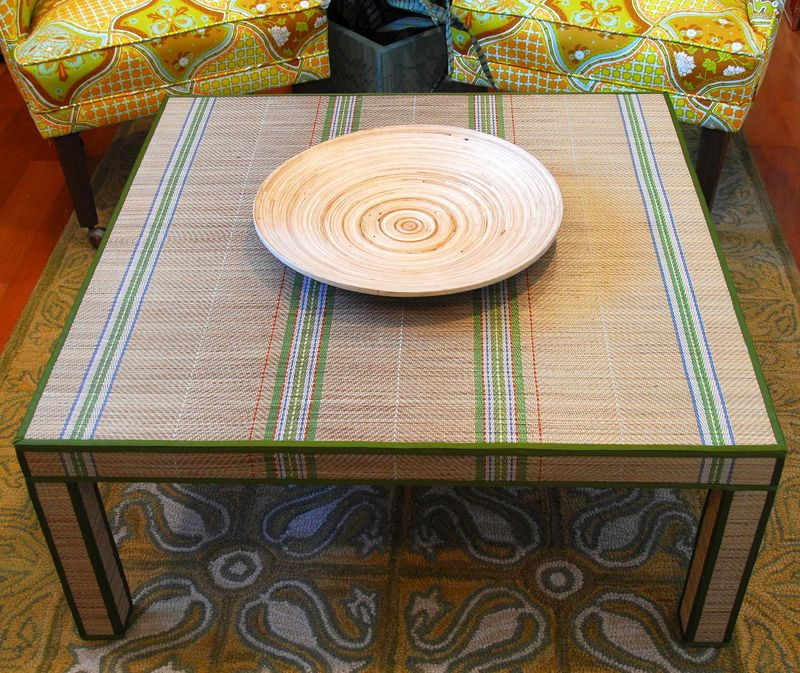 BEAUTY 3 Chinese Mat Covered Table